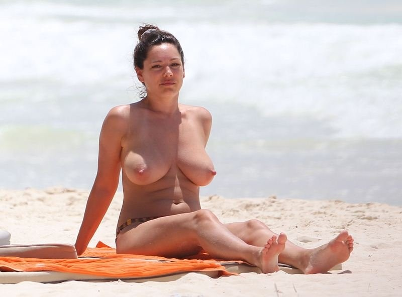 Would toss kelly brook leaked porn