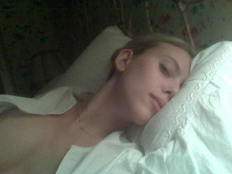 Scarlett Johannsen Nude Pics 11