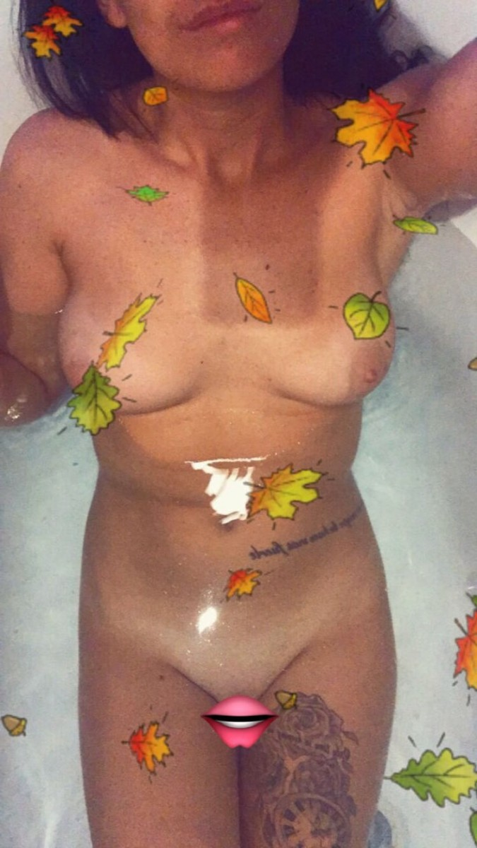 Jenny Davies Topless Fappening - 5 Pics Video naked (65 pictures)