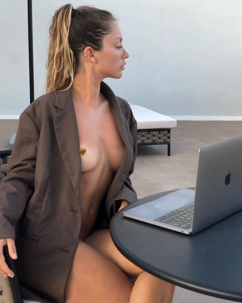 Nude pauline Pauline Tantot